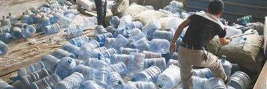 新华网:假桶装水泛滥自来水贴标卖几十元,北京警方一次性捣毁9处黑窝点!
